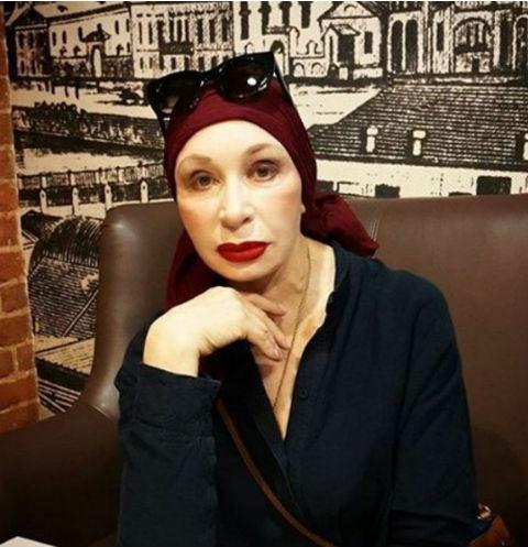 Татьяна Васильева показала, как делает пластику лица. ВИДЕО