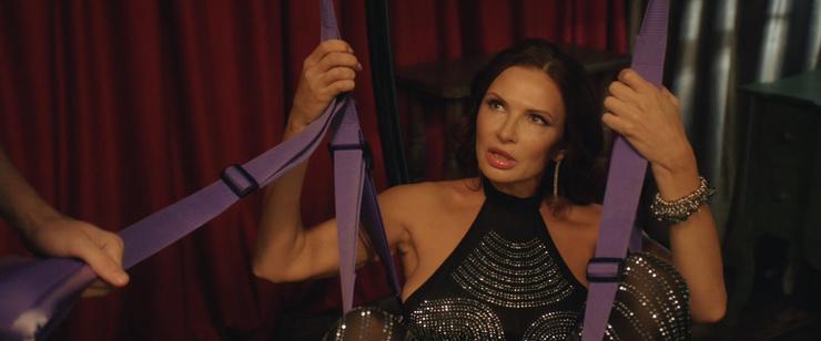 Немало забавных ситуаций в сериале связано с персонажем Эвелины Бледанс