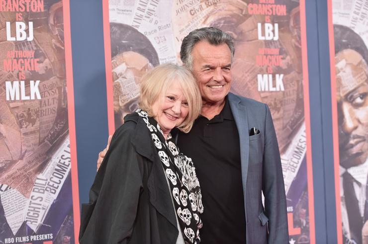 Рэй Уайз женат на Кэсс МакКлэски уже более 40 лет