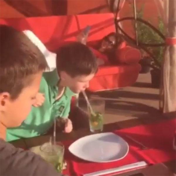 Пока сыновья готовят ужин, Екатерина Климова предается отдыху