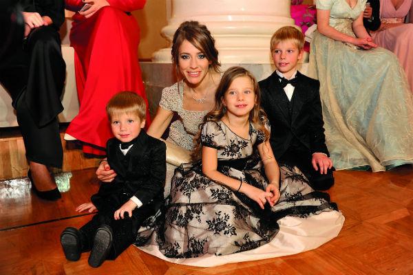 Футболист не видел детей – Яну, Артема и Арсения – три года, а с Юлей общается через адвоката