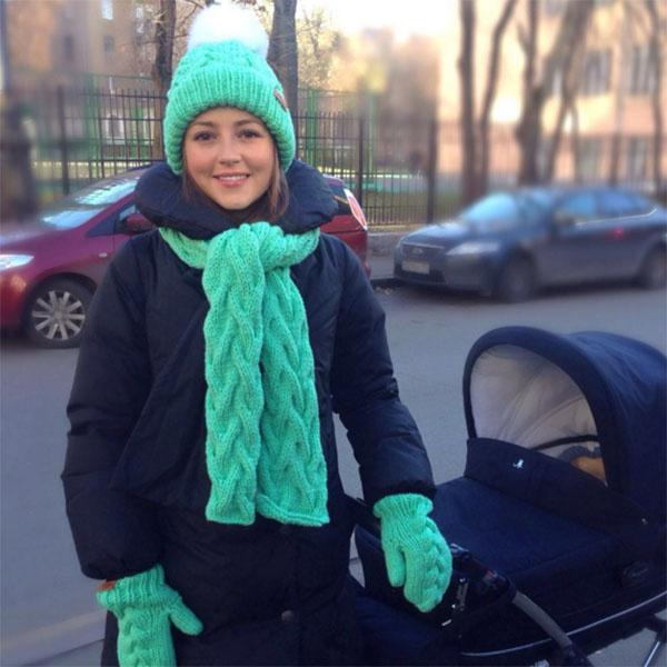Анна Михайловская тщательно подбирает гардероб для осенних прогулок