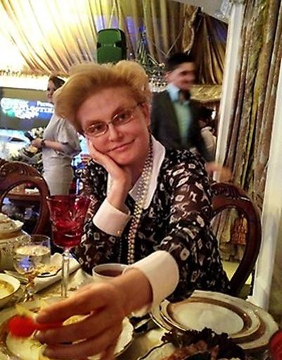 Среди гостей - Елена Малышева