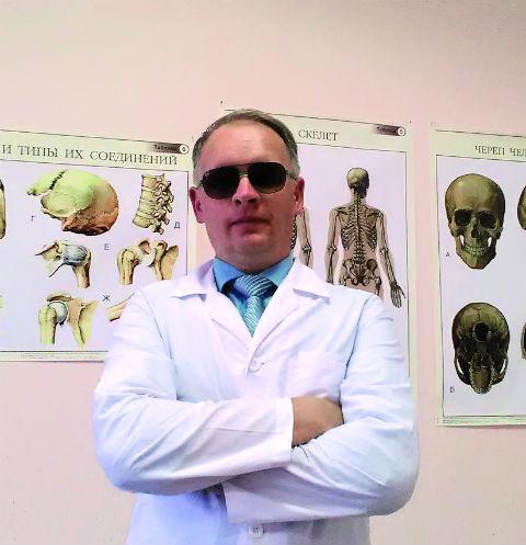 Когда Юрий потерял зрение, у него улучшилось осязание: руки массажиста буквально творят чудеса