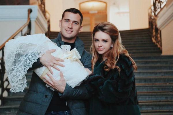 10 апреля 2017 года Милана родила супругу сына Артемия