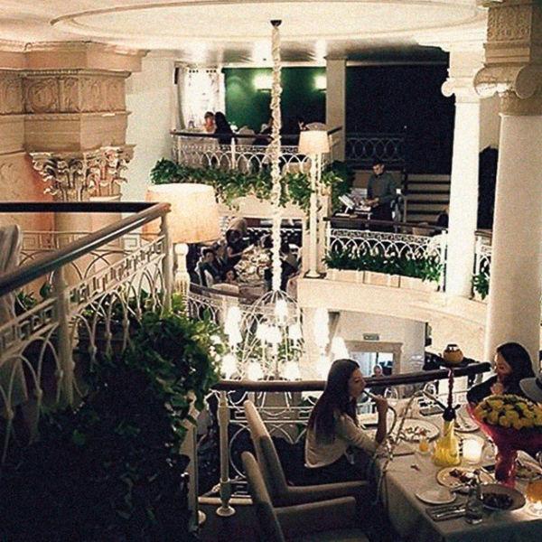 Звезда предложила оформить ресторан в классическом стиле