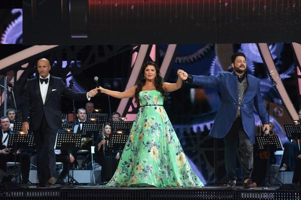 Анна Нетребко выступает вместе с мужем