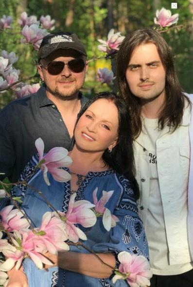 София Михайловна с сыном Русланом и внуком Анатолием