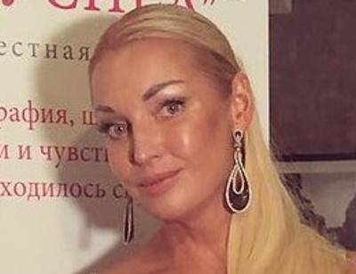 Анастасия Волочкова: «Любимый подарил мне кольцо»