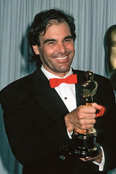 Свой первый из трех «Оскаров» он получил за фильм «Взвод»
