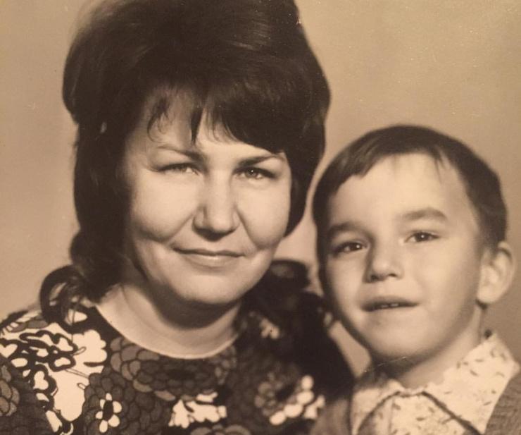 Кирилл Андреев с мамой