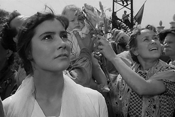 Татьяна Самойлова в картине «Летят журавли»