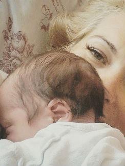 Виктория Макарская с новорожденным сыном Иваном