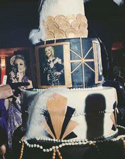 Торт стал настоящим украшением праздника