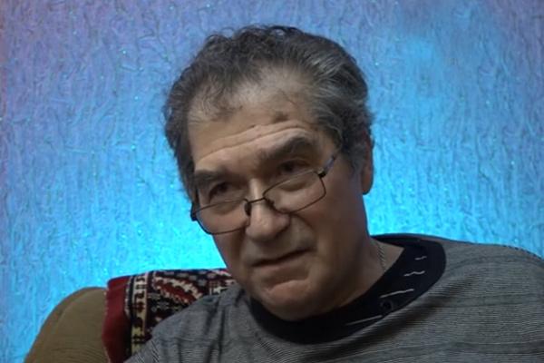 В Астраханском музыкальном училище у Бабкиной был роман с Олегом Гольдесом