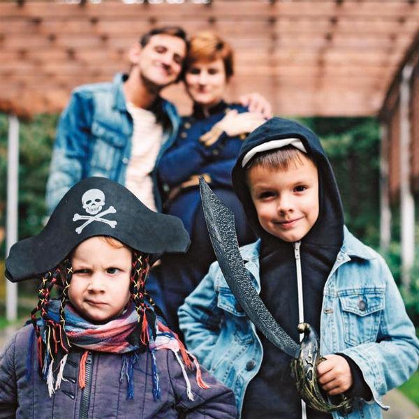 В выходные актер с женой Катей и детьми любят играть в «Имаджинариум» и «Монополию