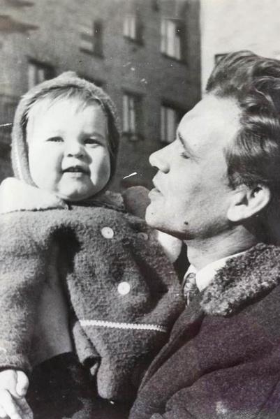 Как родила от подонка, встретила любовь, лишилась карьеры из-за политики. Судьба Татьяны Лазаревой