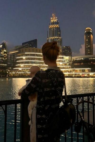 Мэрилин Керро с сыном в Дубае