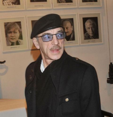 Михаил Боярский упал в обморок в кабинете врача – видео