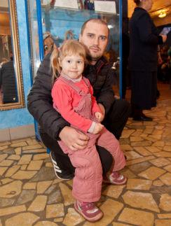 После гибели Марины Дмитрий не представлял, как будет один растить дочь Милану