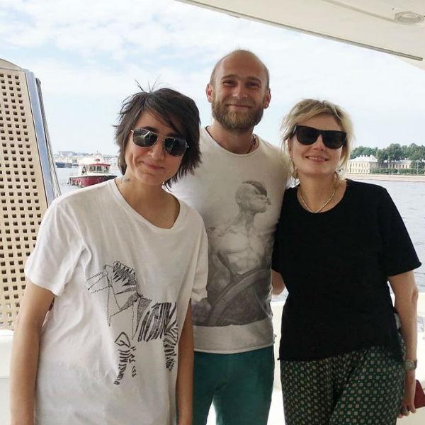 Рената Литвинова, Земфира и капитан яхты Глеб Ткаченко