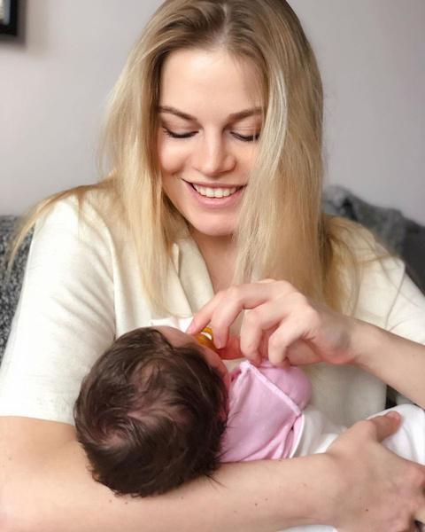 Анастасия наслаждается материнством
