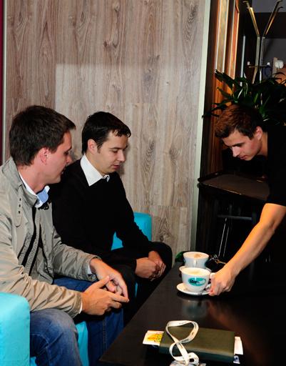 Первыми в StarHit сafe пришли менеджеры Александр и Алексей