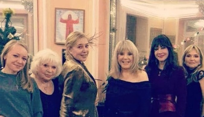 Алла Пугачева повеселилась на девичнике с Ариной Шараповой