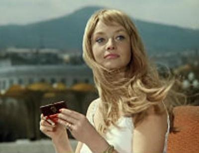 Красавица из фильма «Иван Васильевич меняет профессию» впала в кому