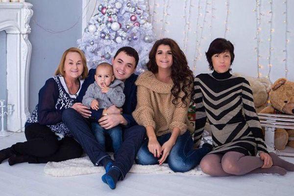 Светлану Михайловну поддерживает вся семья