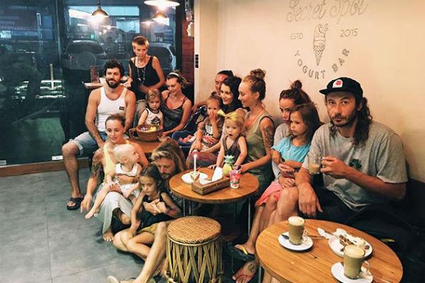 На Бали у Айзы много друзей