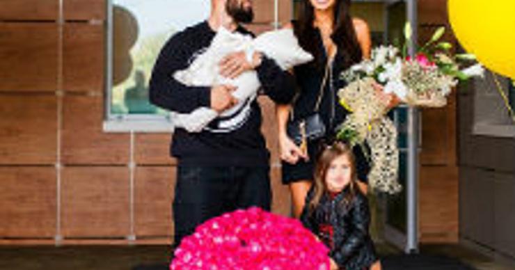 Жена Джигана с новорожденной дочкой Леей вернулась домой