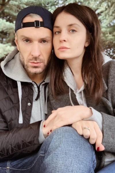 Супруга Филиппа Васильева убеждена, что причиной кровоизлияния была гипертония