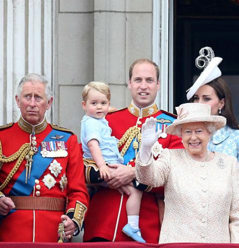 Королева Елизавета II с родственниками