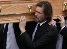 Джим Керри прилетел на похороны экс- возлюбленной