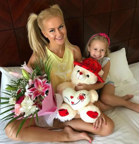 Марина Африкантова с дочерью Андрея Чуева