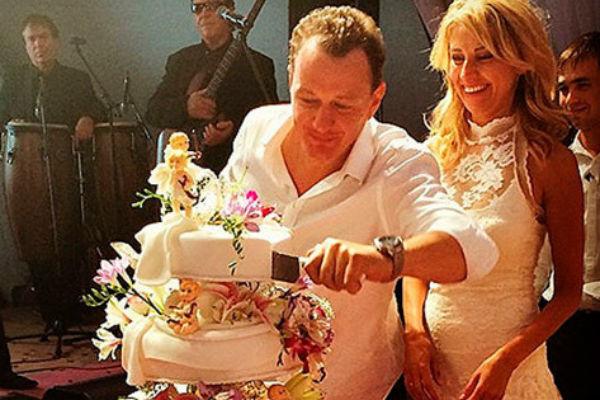 В прошлом году пара сыграла свадьбу, но брак распался уже через полгода