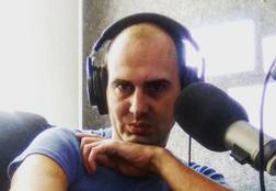 Ведущий «Европы плюс» Максим Рогачев умер после трех недель комы