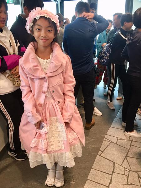 Надеюсь,  что чудесная девочка из Китая швейцарскому дракону понравилась