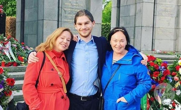 Марьяна Полтева с сыном Федором и Ларисой Гузеевой