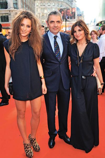 Сунетра и Роуэн были женаты 25 лет, у них двое детей дочь Лили (слева на фото) и сын Бен