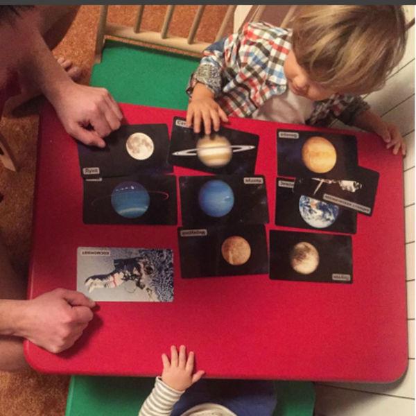 Маленький Ваня уже проявляет большой интерес к космосу