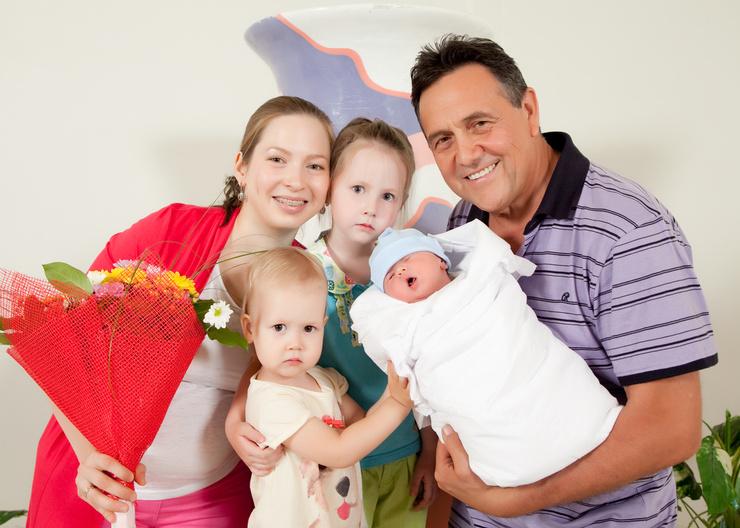 Третья супруга родила певцу четверых детей, но он считает, что это не предел