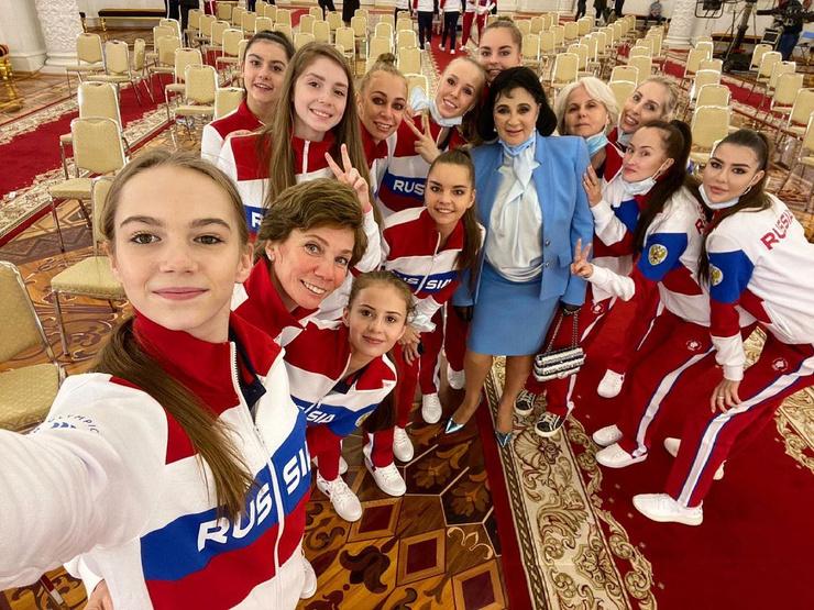 Сборная России по художественной гимнастике с Ириной Зеновкой и Ириной Винер-Усмановой