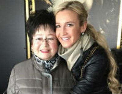 Ольга Бузова отвезла 77-летнюю бабушку в Амстердам