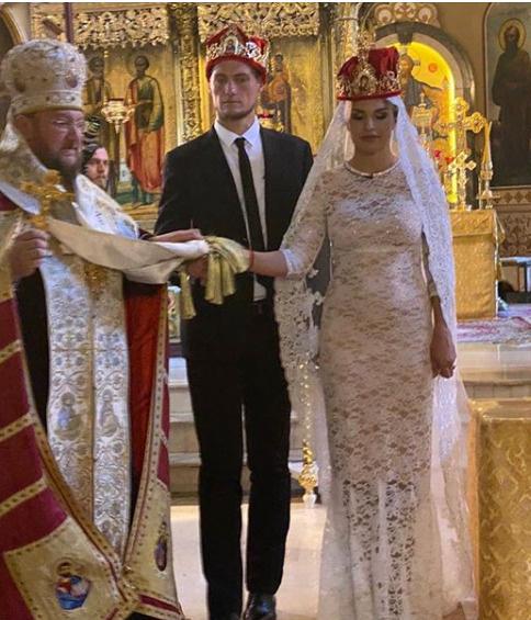 Супруги обвенчались спустя пять месяцев со свадьбы