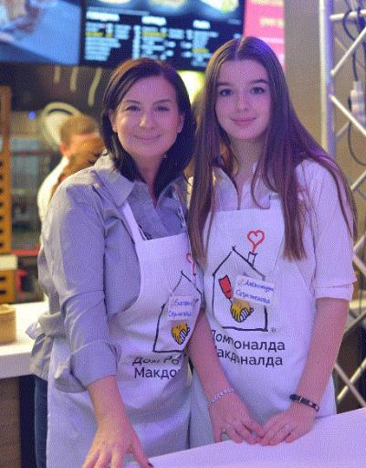 Екатерина Стриженова с дочерью Сашей