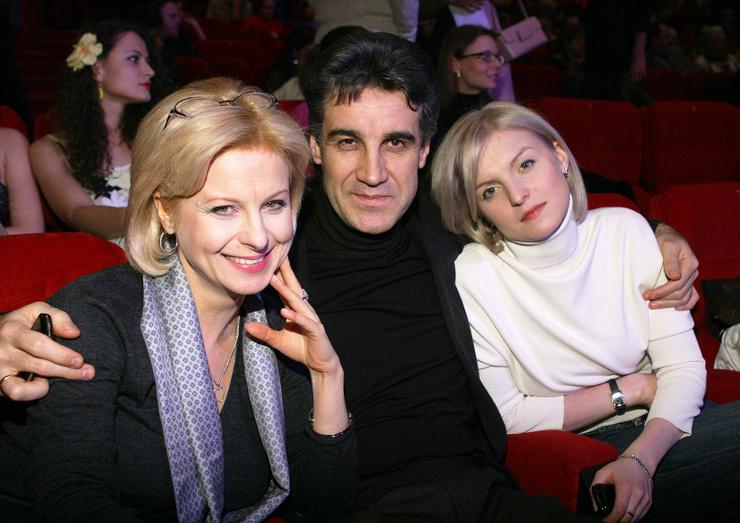 Дарья Пиманова стала креативным продюсером и руководителем документальных телепроектов.