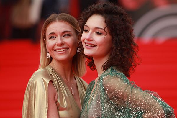 Любовь Толкалина и Мария Кончаловская
