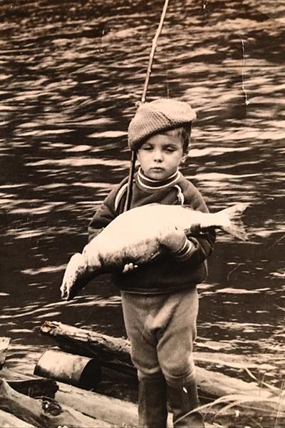Маленький Сережа обожал ходить на рыбалку с отцом
